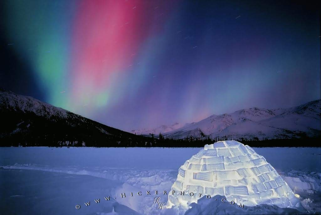 northern-lights-igloo-alaska-photo-information-in-decor-13