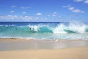 article-new-thumbnail-ehow-images-a08-6u-84-do-waves-affect-seashore-800x800